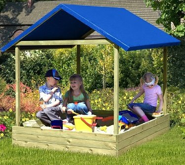 sandkasten sophie mit blauem dach von gartenpirat. Black Bedroom Furniture Sets. Home Design Ideas