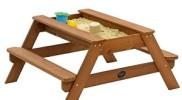 Sandkasten und Picknick-Tisch in Einem