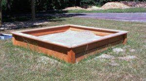 Sieht gut aus in jedem Garten - Sandkasten aus Holz